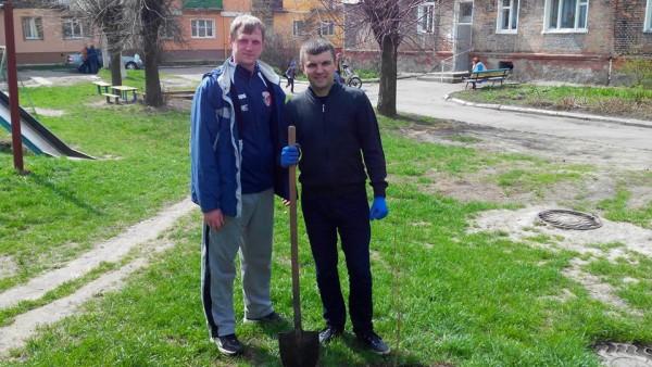 В рамках проекту «Комфортне місто» відбулась акція «Чистий двір»